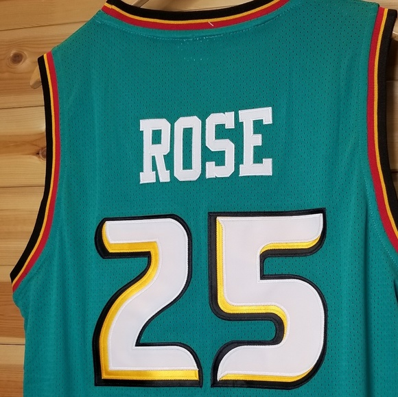 free shipping c63bf 8f11e Derrick Rose Detroit throwback pistons 90s jersey NWT